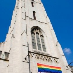 Irlandzki biskup wyraża poparcie dla homoseksualnych małżeństw