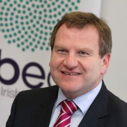 Szefowie IBEC sabotują pomysł podwyższenia najniższej stawki godzinowej za pracę w Irlandii.