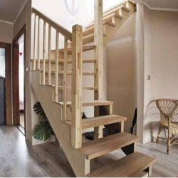 Zajmujemy się produkcją schodów drewnianych