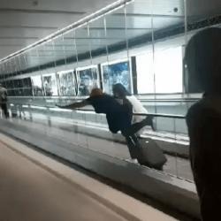Wygłupy na lotnisku w Dublinie