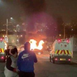 Zamieszki w Irlandii Płn., zastrzelono kobietę