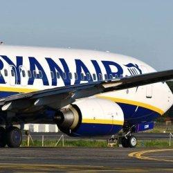 Ryanair na wakacje obniża ceny