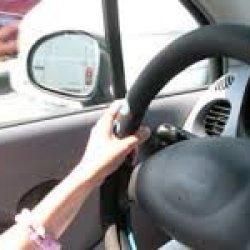 Kobiety prowadzą auta bezpieczniej od mężczyzn