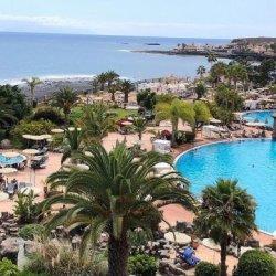 Tysiąc osób zamkniętych w hotelu na Teneryfie z powodu koronawirusa