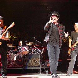U2 przekaże 10 mln euro na walkę z koronawirusem