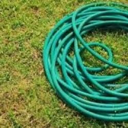 Można używać węży ogrodowych