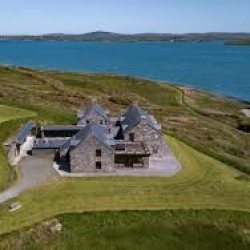 Prywatna wyspa u wybrzeży Cork sprzedana za 5,5 mln euro