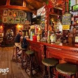 Otwarcie pubów znów przełożone