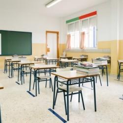 Pierwsi uczniowie wracają do szkół