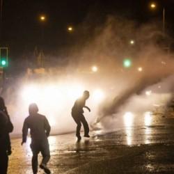 W Belfaście ataki na policję, pomimo żałoby