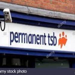 Oszuści ściągali opłaty z kont klientów banku