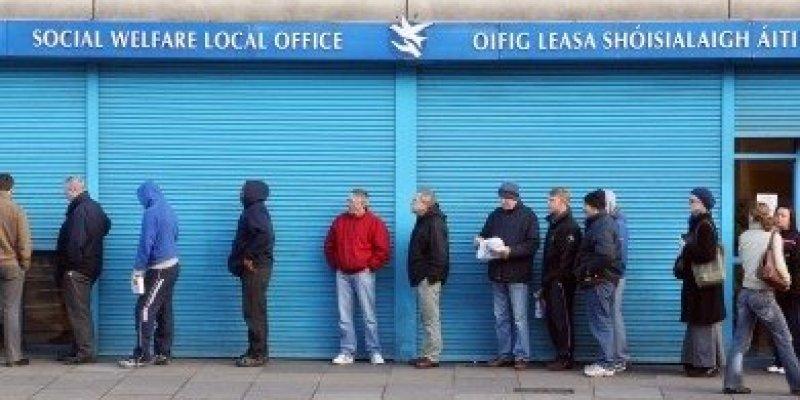 Jeden na czterech Polaków, mieszkających w Irlandii pobiera zasiłek