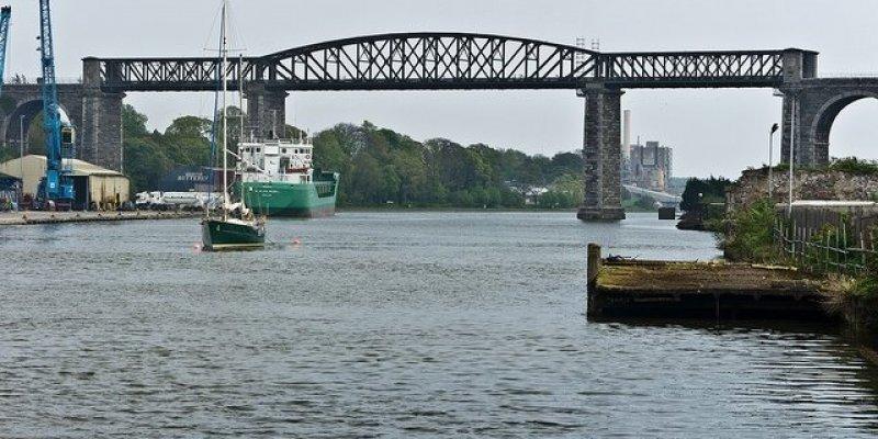 Szczęśliwie uratowany mężczyzna tonący w rzece Boyne w Dundalk