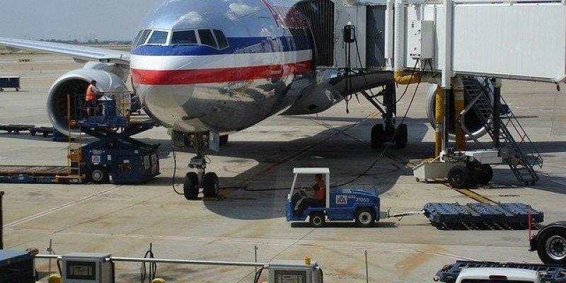 Awaryjne lądowanie samolotu linii American Airlines na lotnisku w Shannon