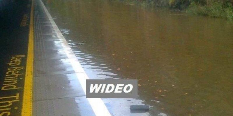 Stacja kolejowa w Waterford została zalana. Powodzie w Dublinie, Cork i Wexford