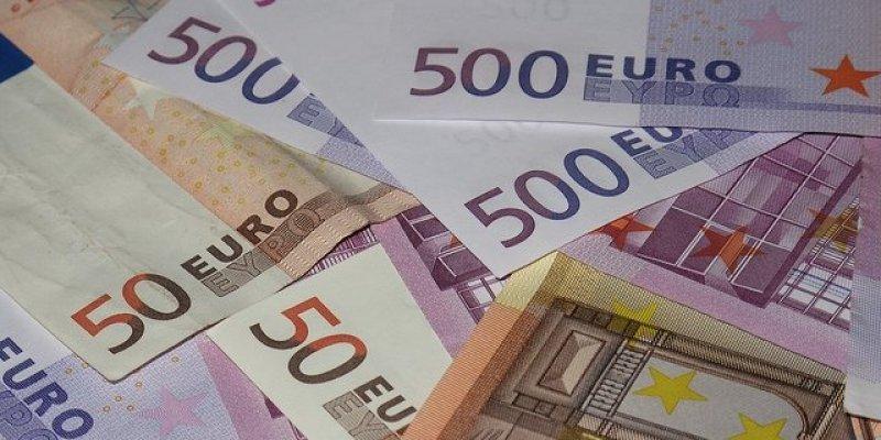 40 000 euro w gotówce zajęte przez celników na lotnisku w Dublinie