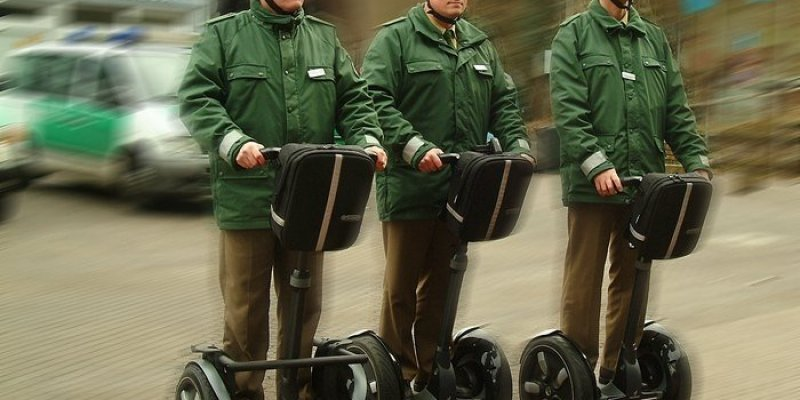 Garda z Dublina od jutra będzie łapać przestępców na Segwayach