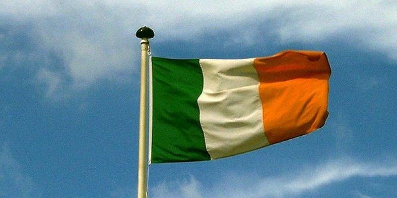 Zarobki w Irlandii spadają. Średnio zarobiliśmy mniej o 212 euro