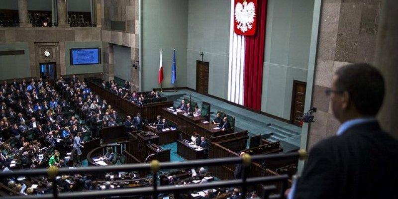 Chciał zabić Komorowskiego, Tuska i wszystkich posłów. Miał zdetonować 4-tonową bombę przed Sejmem
