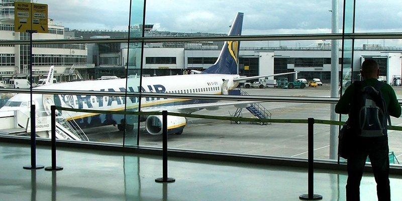 Ryanair wprowadza nowe opłaty przy rezerwacji biletów