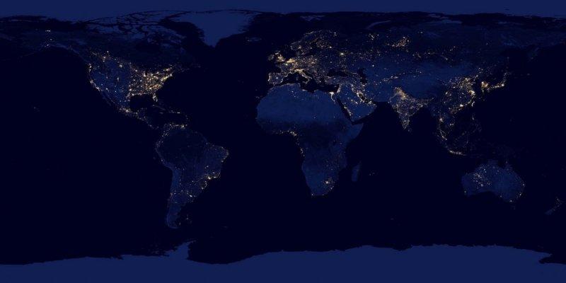 Ziemia widziana nocą z kosmosu.