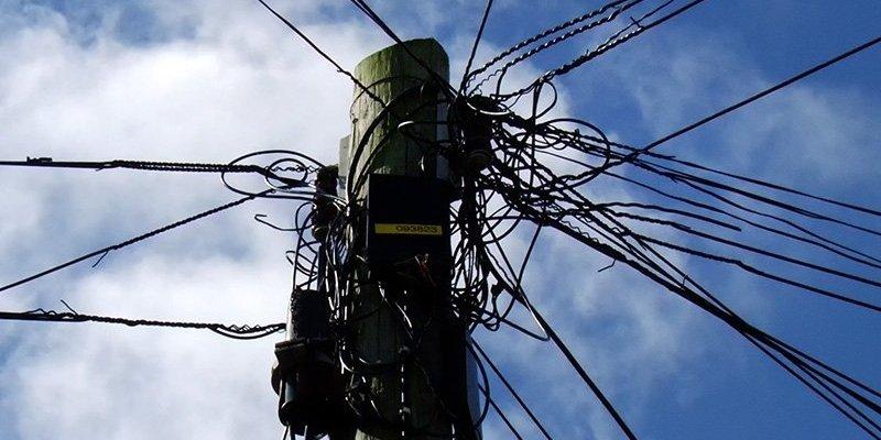 Tysiące domów bez prądu po nocnych wichurach w całej Irlandii