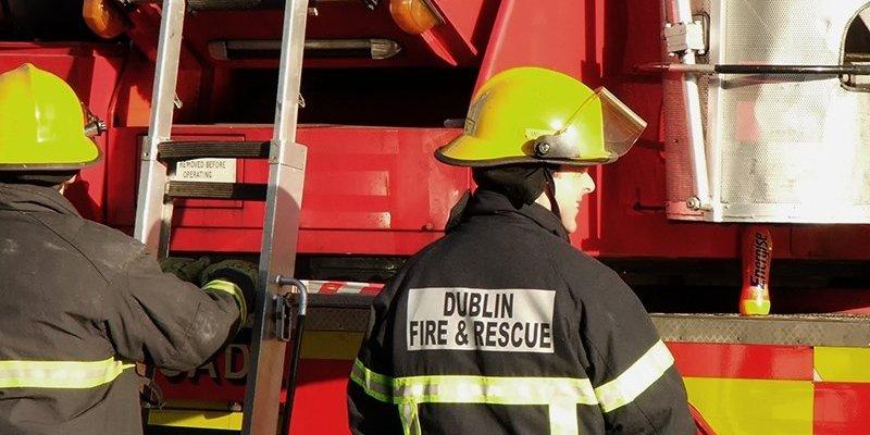 Pożar dwóch budynków na Convent Road w Dublinie