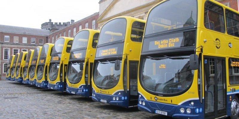 Objazdy dla 10 linii autobusowych w rejonie St. Stephens Green
