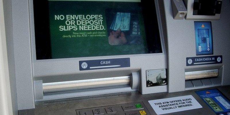 Dwóch bankomatowych oszustów wpadło w ręce Gardy