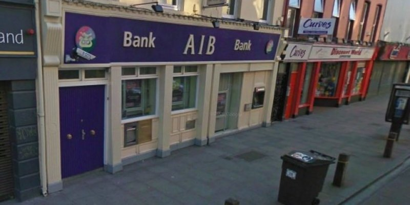 Napad na bank AIB w centrum Cork