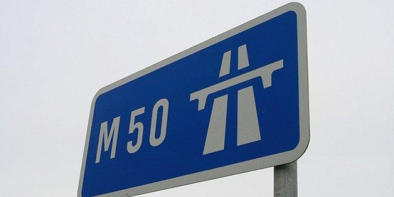 3,3 miliona euro nie wpłynęło z opłat za przejazd M50 w 2012 roku. Minister mówi jest dobrze