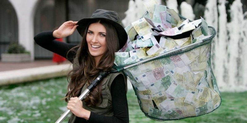 Para z Waterford odebrała czek na ponad 3 mln euro po wygranej w lotto