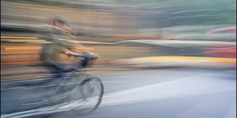Uważajcie na złodziei smart-fonów na rowerach