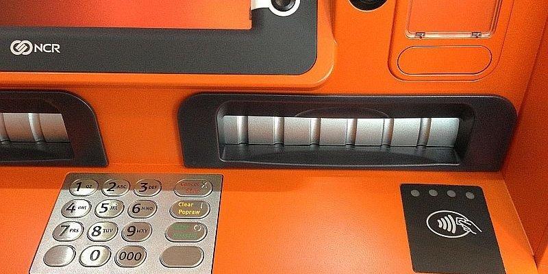 Wirusy w bankomatach kopiują dane z kart