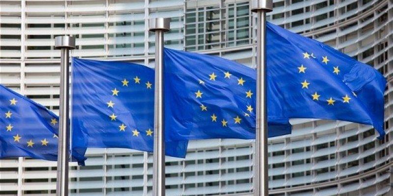 Nowe przepisy w UK dyskryminują unijnych imigrantów
