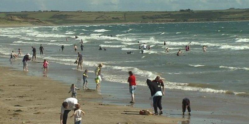 Zakaz kąpieli na plażay w Youghal