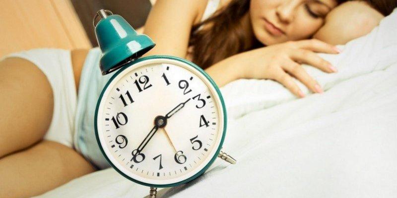 W niedzielę pośpimy dłużej. Przechodzimy na czas zimowy.
