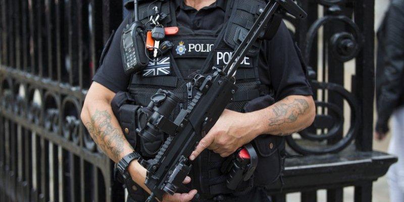 Podejrzany pakunek w londyńskim metrze