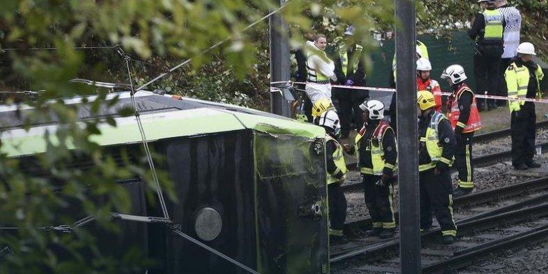 Siedem osób zginęło w wypadku tramwaju w Londynie