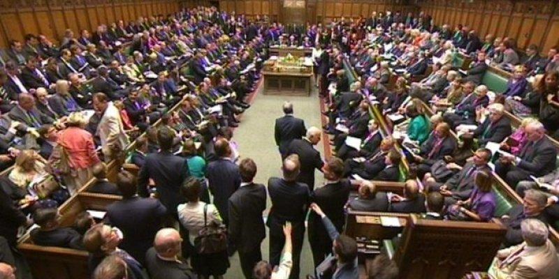 Izba Gmin upoważniła brytyjski rząd do rozmów w sprawie wyjścia z Unii Europejskiej