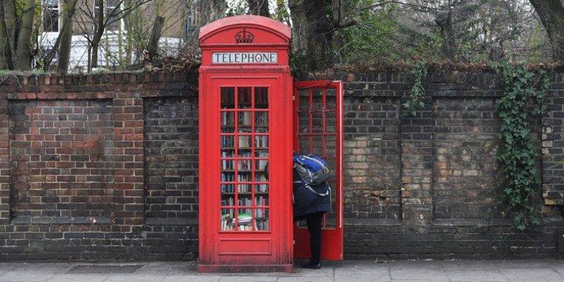 Londyńska budka telefoniczna jako biblioteka