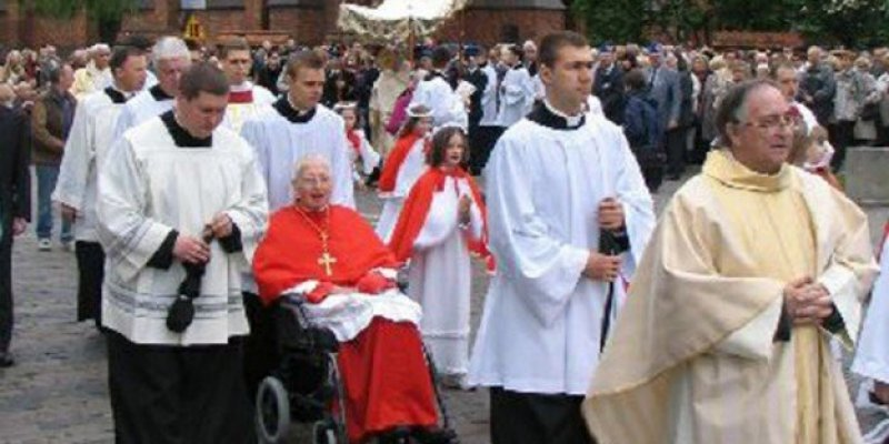 Zmarł kardynał Desmond Connell