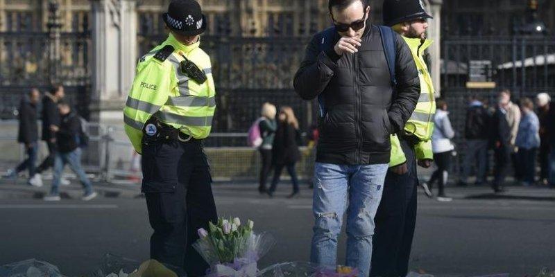 Policja apeluje o informacje dotyczące zamachowca