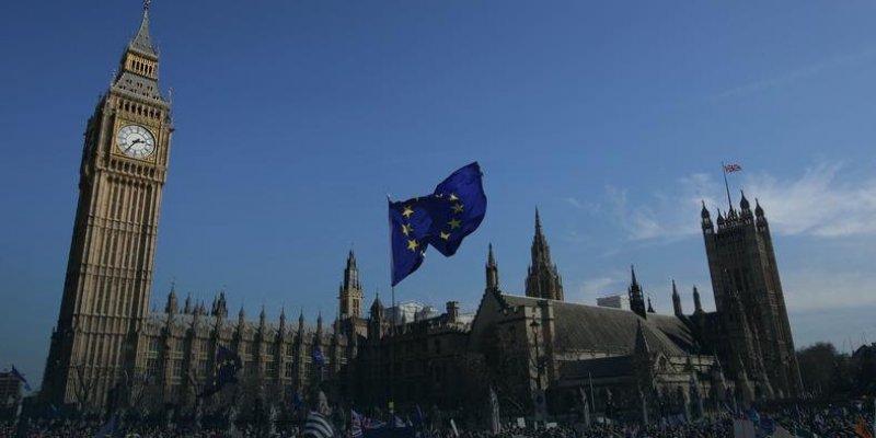 Tysiące protestowały w Londynie przeciw Brexitowi