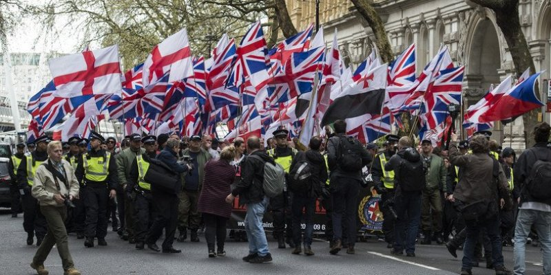 Starcia podczas protestów w Londynie