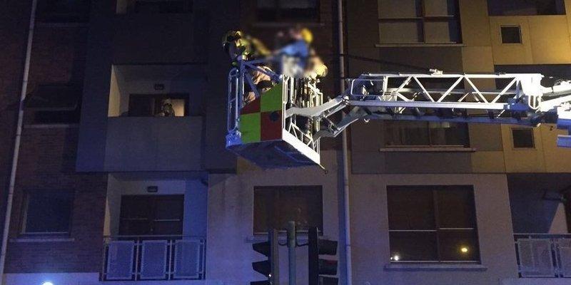 11 osób uratowanych w pożarze w Dublinie
