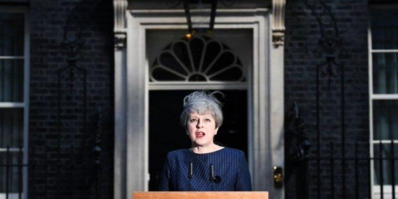 Premier May chce przedterminowych wyborów
