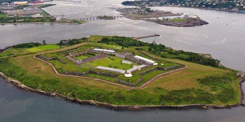 Odkryto system tuneli w dawnym więzieniu na wyspie Spike w hrabstwie Cork