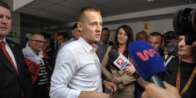 Jacek Międlar zatrzymany na lotnisku w Londynie