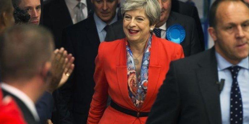 Premier May obiecuje Polakom spokojną przyszłość